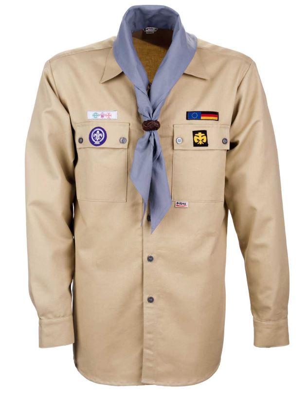 Ein beigefarbenes Hemd mit bunten Aufnähern drauf - die Kluft der Pfadfinder.